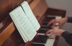 Common piano mistakes: avoiding scales