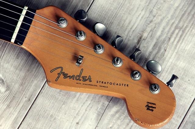 Fender stratocaster head on wood