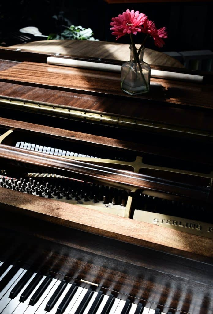 How to care for a piano: avoid drying out your piano
