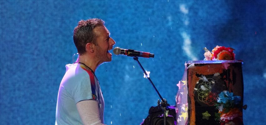 How to sing like Chris Martin of Coldplay